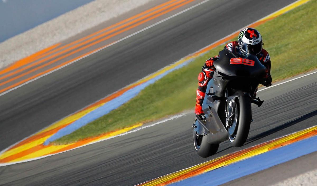 Moto GP van Valencia silver package